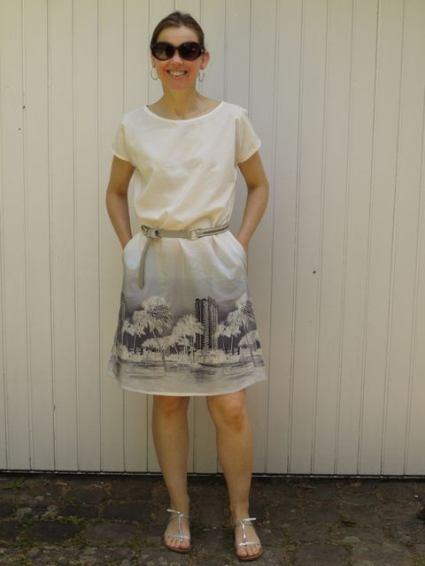 April Rhodes Staple dress with side pockets.